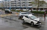 Die Unfallstelle vom Freitagnachmittag auf der Rorschacher Strasse im Neudorf. (Bilder: Stadtpolizei St.Gallen - 26. April 2019)