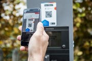 Parkieren in der Stadt St.Gallen mit Hilfe der Bezahl-App «Twint». (Bild: Stadtpolizei St.Gallen - 12. November 2018)