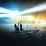 Das Schiff «Polarstern» brachte Forscher bereits mehrmals in Polargebiete. Erstmals wird es nun ein Jahr lang im Eis festfrieren. (Bild: Alfred-Wegener-Institut/Stefan Hendricks, Antarktis, 2013)