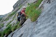 Ueli Amstad unterwegs im Klettersteig Fürenalp. (Bild: Corinne Glanzmann (Engelberg, 4. Juli 2018))