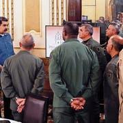 Venezuelas Präsident Nicolás Maduro bei einer Besprechung mit seinem Kabinett. Bild: EPA (Caracas, 30. April 2019)