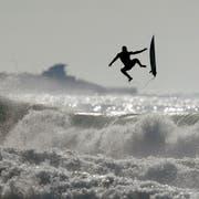 Wasser und Wahnsinn. Bild: Gregory Bull/Keystone (San Diego, 18. Dezember 2018)