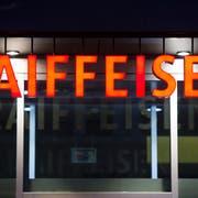 Die Wogen bei Raiffeisen gehen hoch - der Verwaltungsrat steht in der Kritik. (Bild: GIAN EHRENZELLER (KEYSTONE))