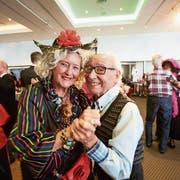 Tanz ist Pflicht: Die Fasnacht von ihrer geselligsten Seite erlebt man an der Seniorenfasnacht. (Bild: Jakob Ineichen, Luzern, 2. März 2019)