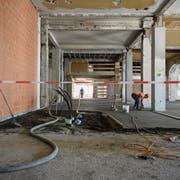 Auch Zulieferleitungen geraten öfters ins Visier der Baustellen-Diebe. (Bild: Anthony Anex /Keystone)