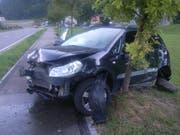 Der Sachschaden am Auto ist beträchtlich. (Bild: Kantonspolizei Uri, 29. Juli 2018)