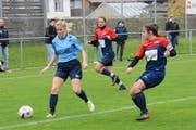 Diana Brändle (links) kommt mit ihrer Mannschaft nicht vom Fleck. Neckertal-Bütschwil belegt in der Tabelle aktuell nur Platz 5. (Bild: Beat Lanzendorfer)
