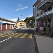 Ein seltener Anblick: Die Gemeinde Sisikon ist momentan vom Verkehr befreit. (Bild: Andreas Seeholzer, 29. Juli 2019)