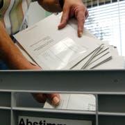 Es sind mehr Wahlcouverts eingegangen als letztes Jahr. (Bild: Christoph Imseng)