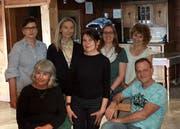 Im Vorstand von «Kultur in Mogelsberg»: Claudia Weil, Ursula Ehrler, Elfie Wälly, Barbara Fust, Beatrice Sutter (hinten von links nach rechts) sowie Monica Auer und Ralph Jaegle (vorne). (Bild: PD)