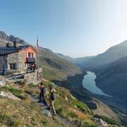 Anspruchsvoll und eher für geübte Wanderer, aber mit belohnenden Ausblicken: die insgesamt 130 Kilometer lange Bernina-Tour. (Bild: Gian Giovanoli)