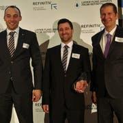 Die Vertreter der LUKB Expert Fondsleitung AG freuen sich über den Lipper Fund Award 2019 (von links: Matthias Rüegg, Gregor Zemp und Ingo Hoffmann). (Bild: Luzerner Kantonalbank)