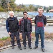 Hans Müller, Ralf Luchsinger und Stefan Schärer sind die verantwortlichen Klärmeister. (Bild: Kurt Lichtensteiger)