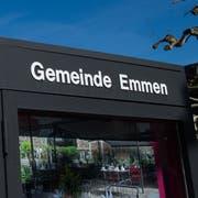 Die Gemeindeverwaltung von Emmen. Gemeindehaus. Gemeinde. Schoggiturm. Fotografiert am 27. Februar 2019.Boris Bürgisser / LZ