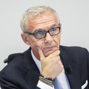 CS-Präsident Urs Rohner äussert sich an einer Medienkonferenz in Zürich zur Beschattungs-Affäre. Bild: Ennio Leanza/Keystone
