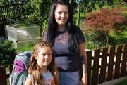 Manuela Gantenbein und Tochter Dana freuen sich auf den ersten Schultag. (Bild: PD)