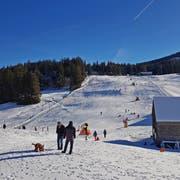 Dank guten Bergbahnen-Teams und Beschneiungsanlagen heisst es auch im Wildhauser Oberdorf «Piste gut». (Bild: PD)
