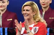 Fussballfan und Ministerpräsidentin: Kolinda Grabar-Kitarović. (Bild: Facundo Arrizabalaga/EPA)