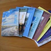 Die Sammlung der acht bisher erschienenen Nüfermer Themenhefte. (Bild: Evi Biedermann)