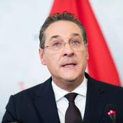 Der zurückgetretene österreichische Vizekanzler Heinz-Christian Strache während einer Medienkonferenz im Sportministerium. (Bild: Michael Gruber/AP, Wien, 18. Mai 2019)