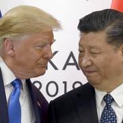 Da sah es noch nach Tauwetter aus: US-Präsident Donald Trump und Chinas Präsident Xi Jinping beim G-20-Gipfel in Osaka, Japan, Ende Juni. (Bild: AP Photo/Susan Walsh)