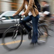 Die in den Unfall verwickelten Jugendlichen waren per Velo unterwegs. (Symbolbild: Keystone/Yoshiko Kusano)