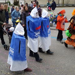 Tempo-Taschentücher auf dem Weg zum Kindermaskenball.