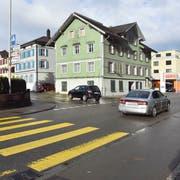 Hier, wo die Ottilienstrasse in die Hauptverkehrsachse mündet, sehen die aktuellen Pläne zu den flankierenden Massnahmen den Bau eines Kreisels vor. (Bild: Anina Rütsche)