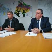 Kommissionspräsident Christian Brändli und Stadtpräsident Thomas Niederberger bei der Pressekonferenz. (Bild: Nicole D'Orazio)