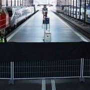 Nichts ging mehr: Im Bahnhof Luzern waren nach der Entgleisung eines Trenitalia-Zuges vor eineinhalb Jahren fast alle Perrons geschlossen – bis auf jene der Zentralbahn. An diesem Wochenende dürfte es wieder ähnlich aussehen. (Bild: Jakob Ineichen (Luzern, 23. März 2017))