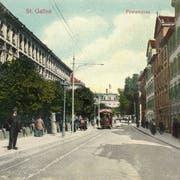 St.Gallen vor 100 Jahren: Die Poststrasse auf einer Ansichtskarte um 1908. Man beachte die üppigen Vorgärten auf der linken Strassenseite. (Bild: Sammlung Reto Voneschen)