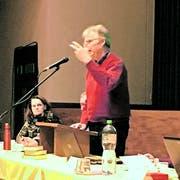 Kirchbürger Walter Studer bei der Vorstellung des Antrags «Streaming»