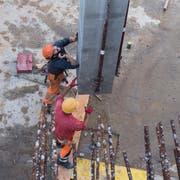 Unter anderem in der Baubranche gilt seit Juli der Inländervorrang light. (Bild: Ennio Leanza/Keystone)