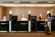 Das Henn-na Hotel in Sasebo wurde 2015 eröffnet. Es war das erste Roboterhotel der Welt. Bild: EPA (Sasebo, 16. Juli 2015)