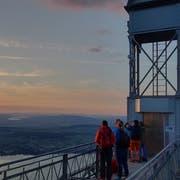 Sonnenuntergang beim oberen Eingang des Hammetschwandlifts. (Bild: Markus von Rotz, Bürgenstock, 8. Juni 2019)