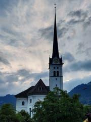 Der Kirchturm von Alpnach.(Bild: Markus von Rotz (Alpnach, 7. Juni 2018))