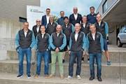 OK-Präsident Simon Schlumpf (vorne links) und sein zehnköpfiges Team feuerten am Mittwoch zusammen mit den Vertretern der Sponsoren den Startschuss zum Sport-Fit-Tag 2020 ab. Er findet am 16. Mai in Wattwil auf den Sportanlagen Grüenau und Schomatten statt. (Bild: Beat Lanzendorfer)