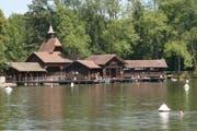Die Jugendstil-Badhütte der Frauenbadi auf Dreilinden. (Bild: Reto Voneschen - 15. August 2013)