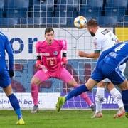 Der Anfang vom Ende für den FC Luzern: Lugano-Verteidiger Mijat Maric kann frei stehend zum 1:0 einköpfeln. (Bild: Martin Meienberger/Freshfocus, Luzern, 3. November 2019)