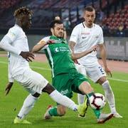 Tranquillo Barnetta (Mitte) hätte dem FC St.Gallen in seinem letzten Spiel gerne noch zur Europa-League-Qualifikation verholfen. (Bild: Claudio Thoma/Freshfocus)