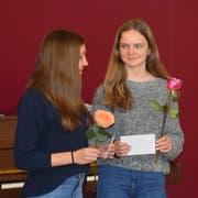 Die beiden Siegerinnen: Valeria Honold (links) und Julia Schmidli (rechts). (Bild: David Grob)