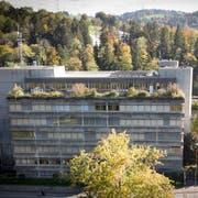 Baustart am Gewerblichen Berufs- und Weiterbildungszentrums (GBS) im St.Galler Tal der Demut wäre 2024. (Bild: Ralph Ribi)