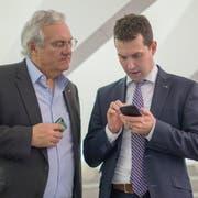 Thomas Müller (links) und Michael Götte wurden von der SVP einstimmig als Kandidaten für die Nationalratswahlen nominiert. (Bild: Michael Canonica, 2015)