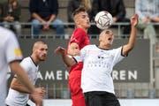 Magnus Breitenmoser (vorne) vom FC Wil gegen Aldin Turkes. (Bild: Michel Canonica)