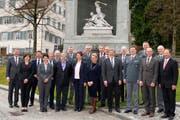 Die Regierungen von Nid- und Obwalden mit den empfangenen Kommandanten. (Bild: PD, Stans, 12. März 2019)