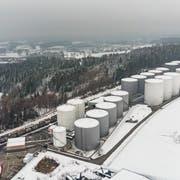 Die 33 Stehtanks auf Häggenschwiler Gemeindegebiet fassen knapp 300 Millionen Liter Benzin, Diesel und Heizöl. (Bilder: Hanspeter Schiess (5.Februar 2019)