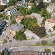 Um den Platzbedarf bis zur Erstellung des Campus Platztor decken zu können, sei die HSG auf den Betrieb von Provisorien und die Miete von Liegenschaften angewiesen, heisst es im Communiqué. (Bild: Urs Bucher)