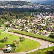 Gute Besonnung und schöner Ausblick: Die Gemeinde Gaiserwald sucht Käufer für fünf Baulandparzellen. (Bild: Ralph Ribi
