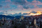 Auch St.Gallen hat mit seinen Kirchtürmen, dem Postturm, dem Rathaus, der Fachhochschule und dem Bundesverwaltungsgericht so etwas Ähnliches wie eine Skyline zu bieten. (Leserbild: Christian Wild - 1. März 2017)
