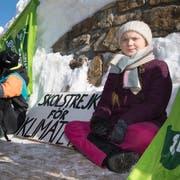 Die Schwedin Gera Thunberg setzte in Davos ihren Klima-Streik fort. (KEYSTONE/Laurent Gillieron)